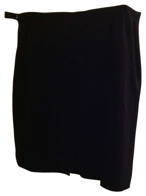 Preload https://item2.tradesy.com/images/august-max-woman-black-lined-business-knee-length-skirt-size-18-xl-plus-0x-196006-0-0.jpg?width=400&height=650