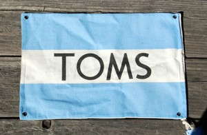 TOMS TOMS Shoe Flag One for One Dust Bag