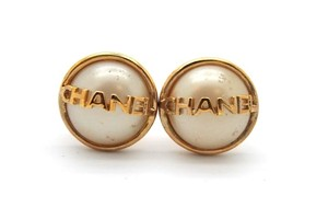 Chanel #7961 CC logo White pearl Gold Disc Earrings Clip On