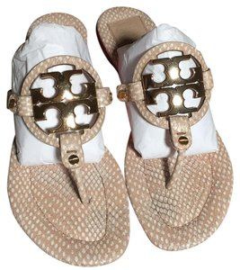 Tory Burch Spring Dune/ Beige Gold Logo Sandals