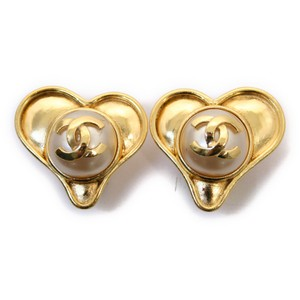 Chanel Chanel Heart Shaped Faux Pearl Earrings