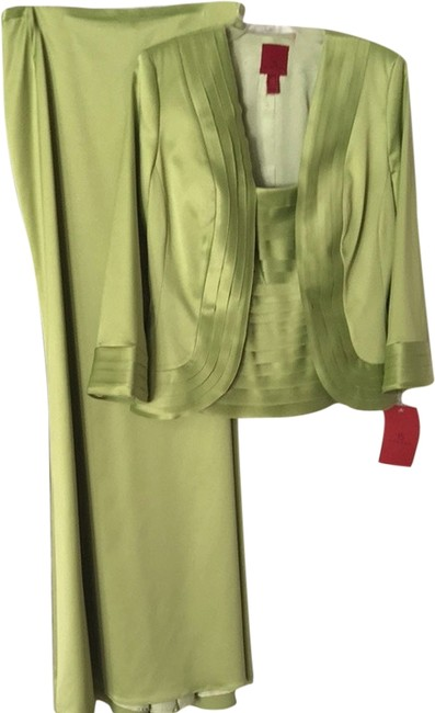 Preload https://item5.tradesy.com/images/js-collections-pistachio-green-three-quarter-sleeves-three-piece-formal-dress-size-8-m-1960279-0-0.jpg?width=400&height=650