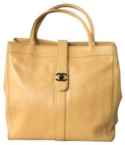 Chanel Leather Cc Tote in Tan
