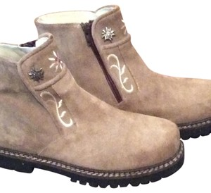 Geier Wally of Austra Tan Boots