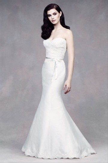 Paloma Blanca 4300 Wedding Dress
