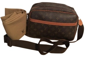 Auth Louis Vuitton Messenger PM Cross Body Bag