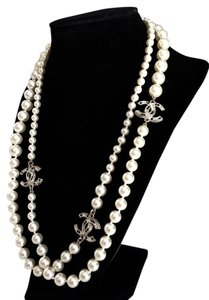 Chanel CLOSET CLOSING TODAY. 2016 BRAND NEW Chanel Classic White Pearl Necklace 3 Crystal CC