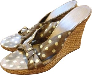Nine West Summer Polka Dot Gold beige Sandals
