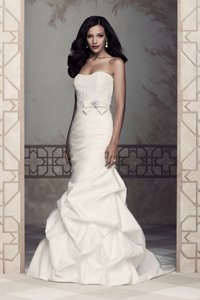 Paloma Blanca 4361 Wedding Dress