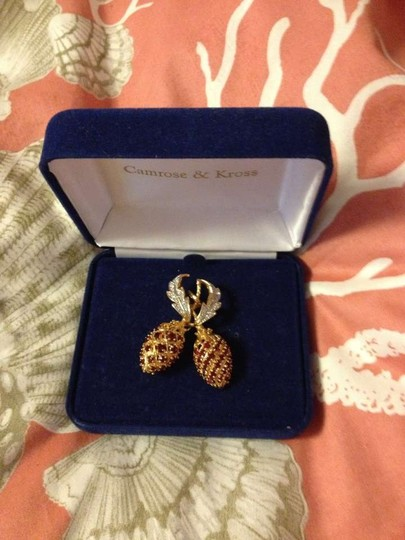 Camrose & Kross Jacqueline Bouvier Kennedy collection pin