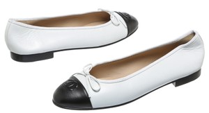 Chanel White/Black Flats