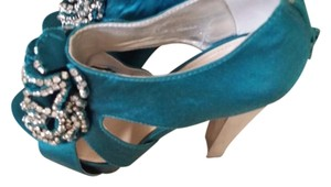 Other Turquesa Pumps