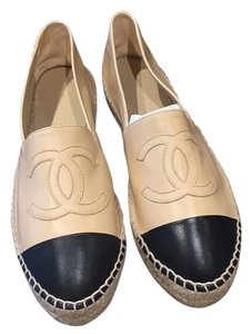 Chanel Nude/Black Flats