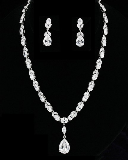 Preload https://item1.tradesy.com/images/clear-cz-aaa-quality-necklace-and-earring-jewelry-set-1961145-0-0.jpg?width=440&height=440