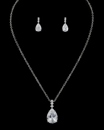 Preload https://item2.tradesy.com/images/clear-cz-aaa-necklace-and-earring-jewelry-set-1961171-0-0.jpg?width=440&height=440