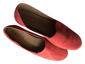 Ecco Worn Once Suede Red/Coral Flats