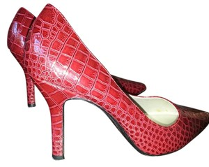 Liz Claiborne Deep Red Pumps