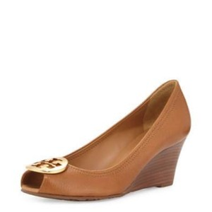 Tory Burch TAN AND GOLD Wedges