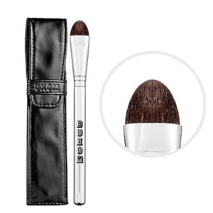 Buxom Buxom EYESHADOW Brush W/Sleek & Sexy Shiny Soft Case