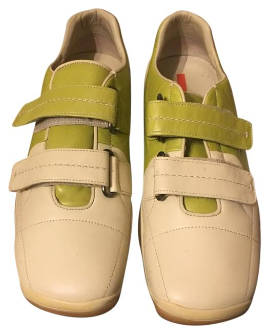 Item - Cream and Lime Green Sneakers Size US 9.5 Regular (M, B)