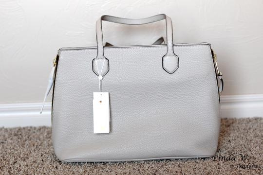 Tory Burch Robinson Side-zip Pebbled Leather Key Ring Hardware Tote in Beige/Champagne Gold