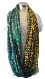 BCBGeneration NWT BCBGeneration Loop Scarf
