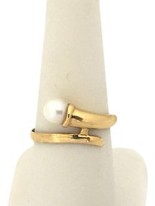 Vintage 18k Yellow Gold & Pearl Bypass Design Band Ring Size 7.5