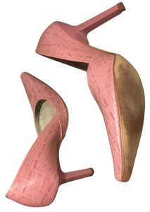 BCBGeneration Pink Pumps