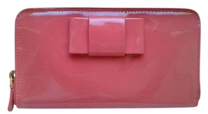 Miu Miu Leather Patent Leather Coral Pink Clutch