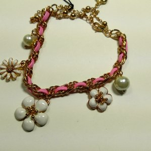 Betsey Johnson Betsey Johnson Daisy Flower Charm Bracelet Pink Gold J2930