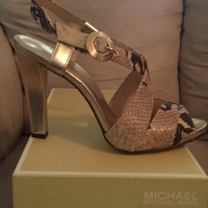 Michael Kors Natural Snakeskin, Gold Pumps
