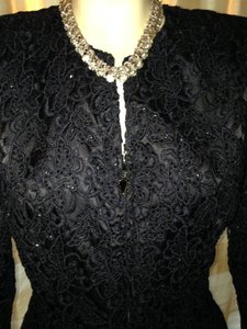 Carmen Marc Valvo Lace Formal black Jacket