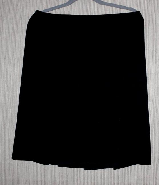 Item - Black Virgin Wool Pleated Knee Length Lined A Line Size:44 Skirt Size 10 (M, 31)