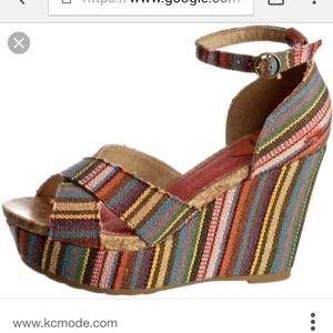 Rocket Dog Guatemalan stripe Wedges