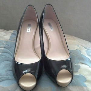 Tahari Patent Leather Classic Office Open Toe Clean Black Pumps