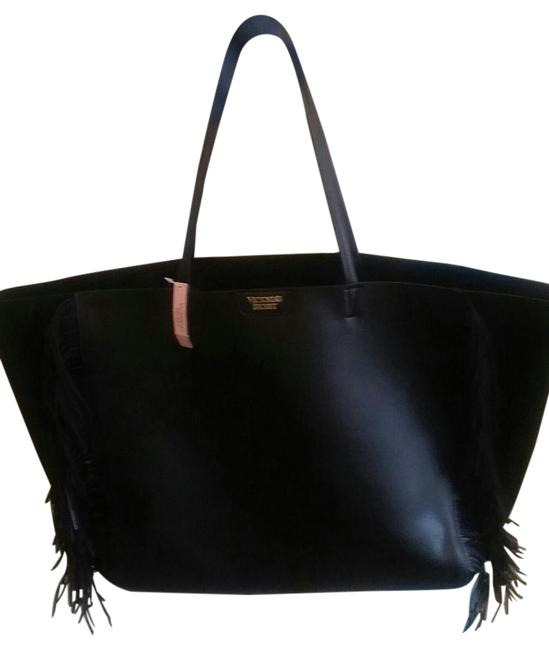 Item - Great Gift Greatly Reduced Black Leather Tote