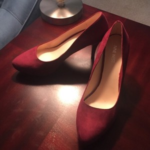 Nine West Burgandy Pumps