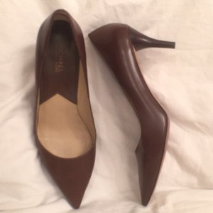 Michael Kors Leather Classic Mk Dark Brown Pumps