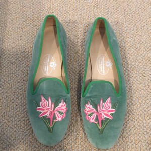 Stubbs & Wootton Green with Pink and White Flowers Flats