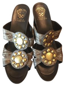 Vince Camuto brown multi Wedges