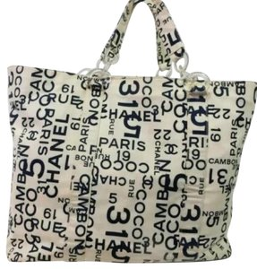 Chanel Tote in -