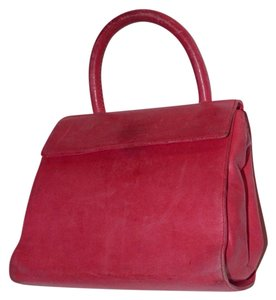 Prada Perfect Pop Of Color Buttery Soft Lunchbox Style Very Good Vintage Great Year Round Satchel in pink leather