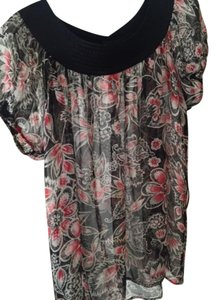 Gibson Flowered Top Black