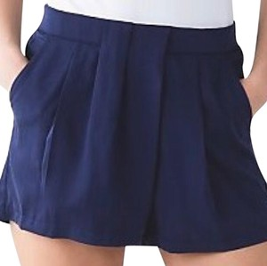 Lululemon Mini/Short Shorts Blue