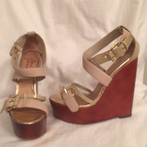 Badgley Mischka Patent Leather Leather Sandal Slingback Platform Beige Brown Wedges