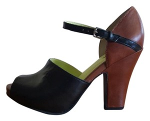 Seychelles Black and brown Pumps