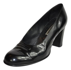 Moschino Vintage Rounded Toe Black Pumps