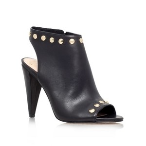 bdecd48ff425 Vince Camuto on Sale - Up to 70% off at Tradesy