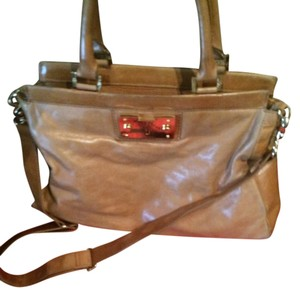 Tory Burch Satchel in tan/camel