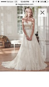 Maggie Sottero Maggie Sottero Kamiya Wedding Dress